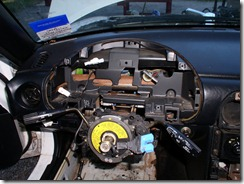 15 Steering wheel and instruments